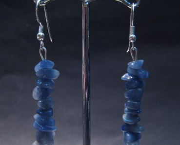 Blue quartz chip earring silver hook