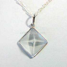 QUARTZ CRYSTAL ROCK - PENDANT OF PYRAMID IN SILVER