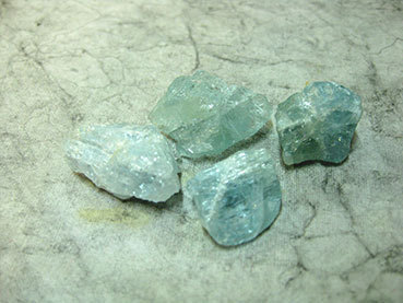 Tumbled 1e Aquamarine
