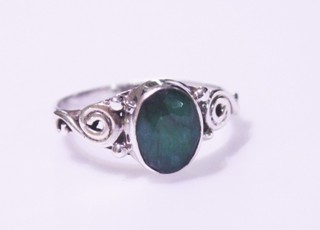 emerald ring ref: esm0031810a