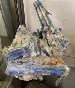 Kyanite Cluster with Quartz 014