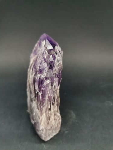 Cathedral point amethyst 25